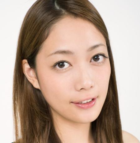夏目鈴は大野智の彼女だと匂わせ?Facebook画像が流出!現在はなにしてる?